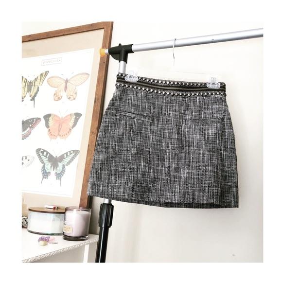 H&M Dresses & Skirts - H&M STUDDED TWEED ZIPPER MINI SKIRT